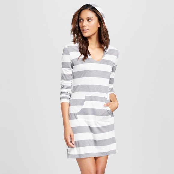 c81aab81f Long sleeve grey and white tunic dress or coverup.  M_5abd3caaa4c4854d4f2206fc